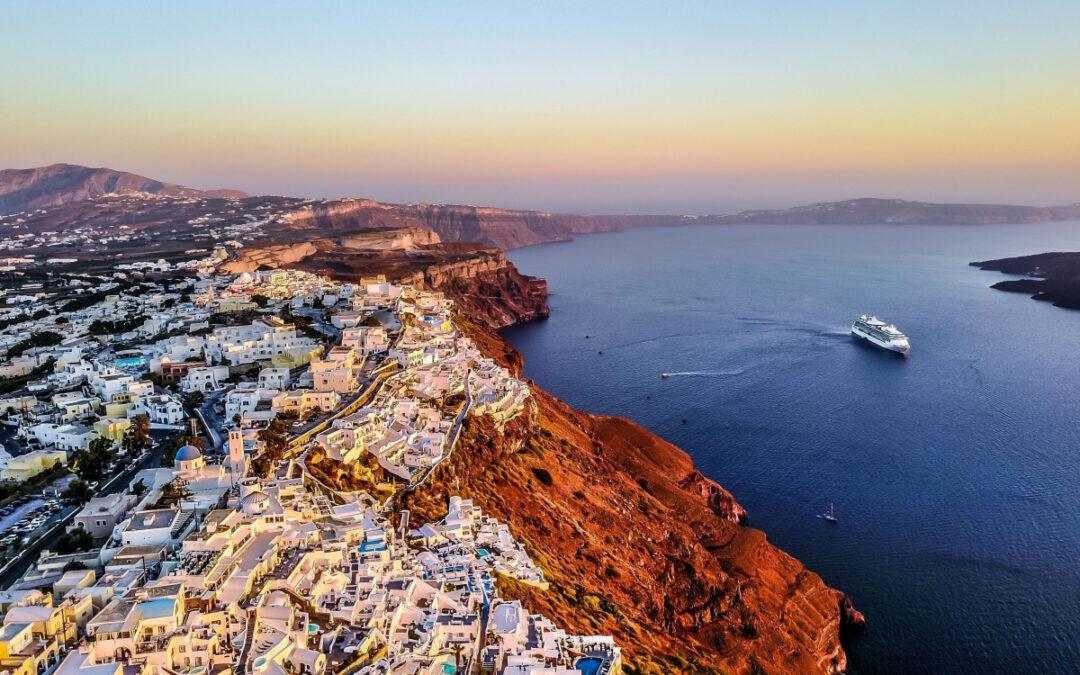 Rejs billigt til Santorini