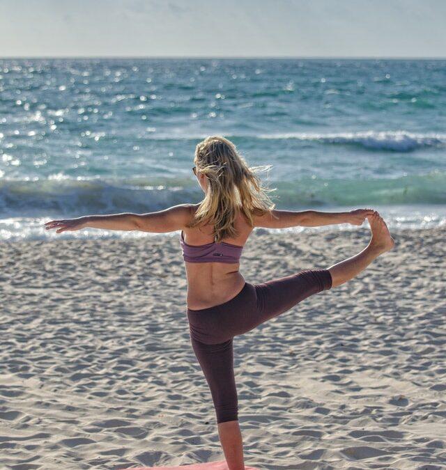 Sådan bliver du en bedre sejler med yoga